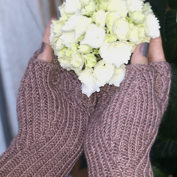 Insieme mitts by Gudrun